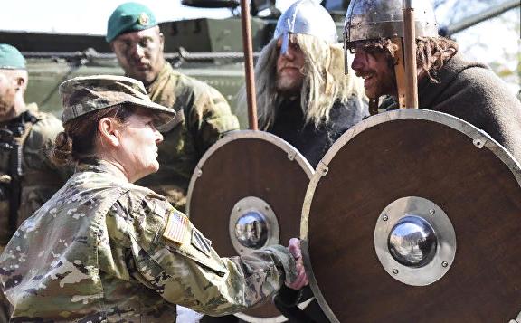 """Зуб, тризуб и вилы. НАТО поставит 20 """"опытов"""" на учениях в Норвегии"""