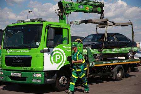 Эвакуаторщики в Москве получат персональные видеорегистраторы