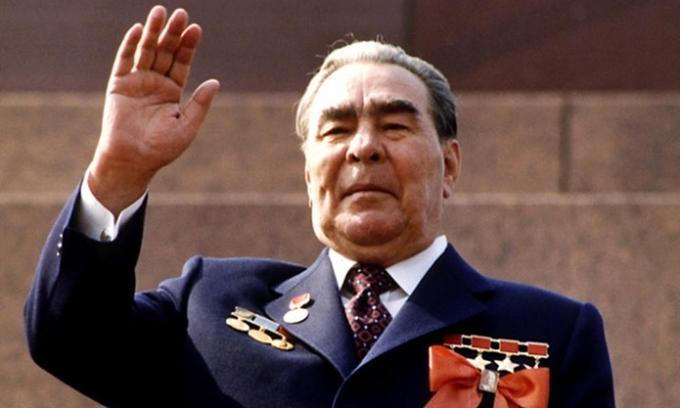 """За 18 лет правление Брежнева бесплатное жилье получили 162 млн обитателей """"тюрьмы народов""""!"""