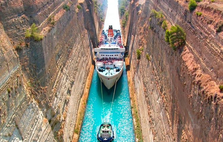Самый узкий судоходный канал в мире! Не каждый круизный лайнер может проплыть по нему!