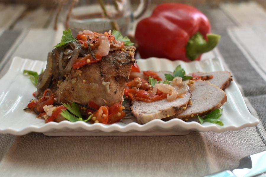 Сочная свинина с перцем и луком