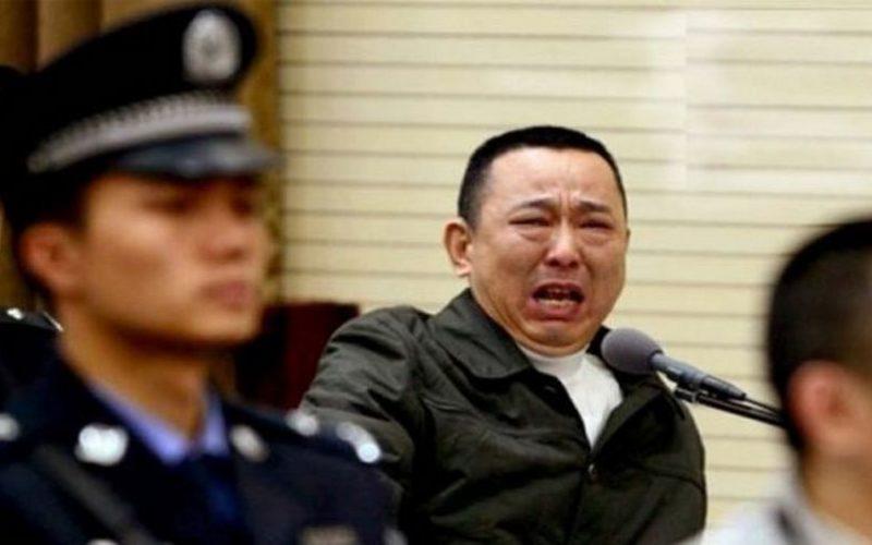 За что в Китае чиновников объявляют врагами народа?