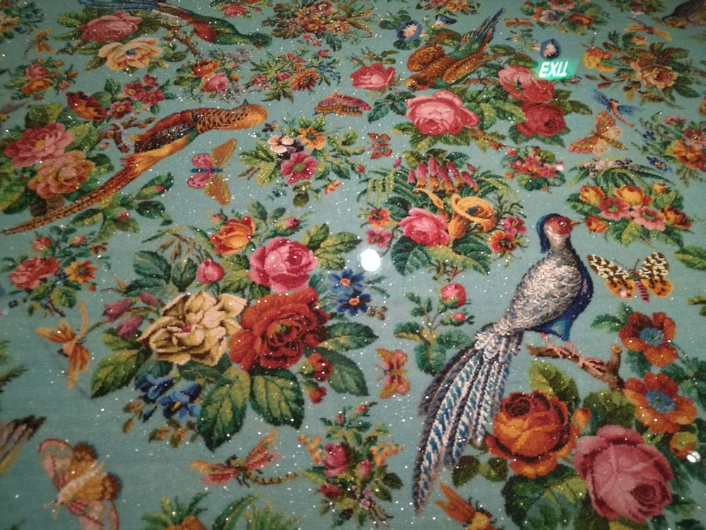 Рукотворное чудо — знаменитая скатерть с потрясающей вышивкой бисером из музея Перанакан
