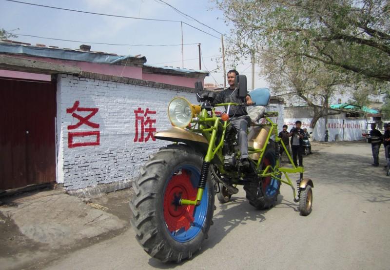 …и его китайский брат. большие игрушки, большие мальчики, прикол, юмор