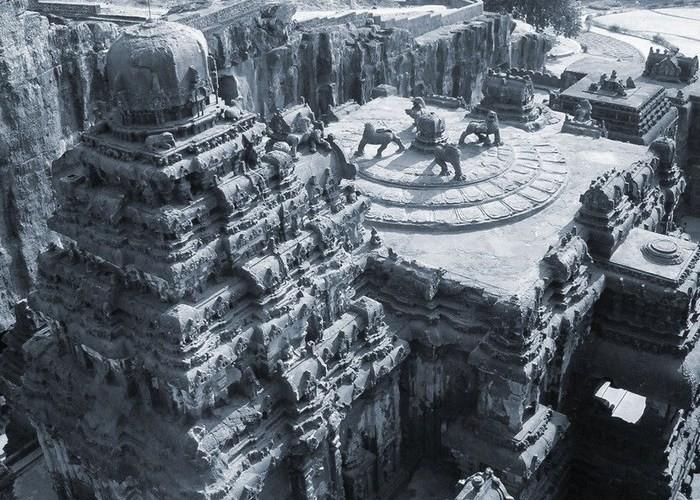 Кайлаш - таинственный скальный храм, который строили полтора века