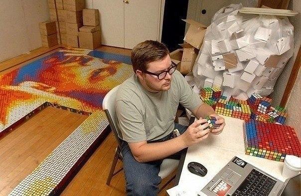Шедевр из кубиков Рубика
