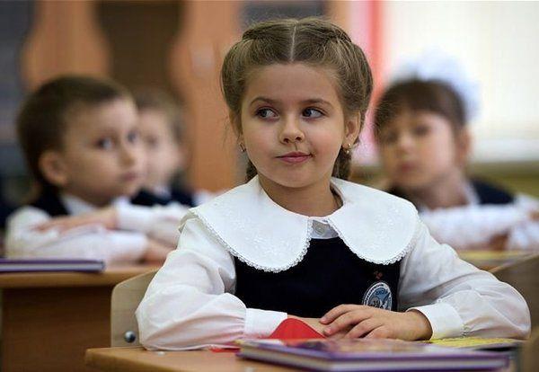 Анекдот дня: Учительница пыталась повлиять на веру ребенка, но что-то пошло не так