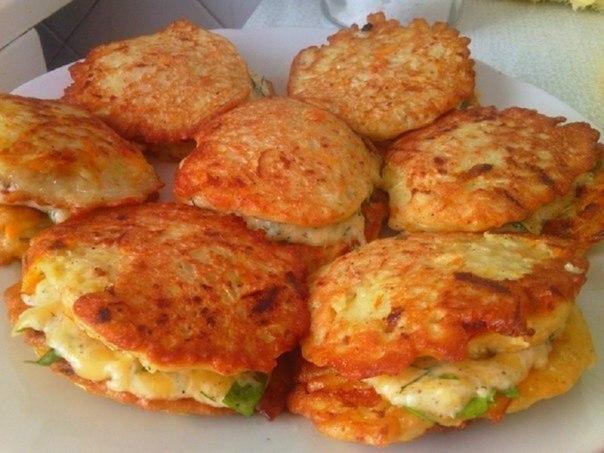 Нежные кабачковые оладьи с сыром и чесноком. Объедение!