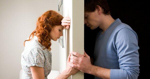 """3 причины, по которым у женщин """"болит голова"""""""