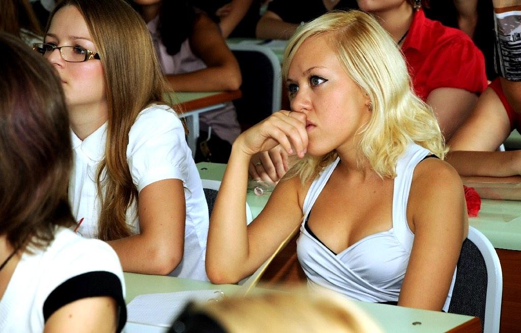 Таня в университет, конечно, не поступила. Пора было возвращаться в свой городишко, а так не хотелось!
