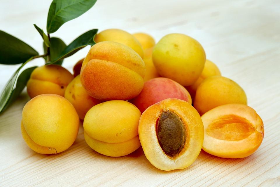 Применения косточек абрикоса при хронических заболеваниях