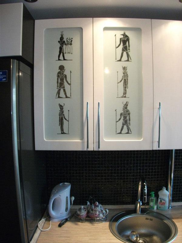 """Как встроить полноценный кухонный гарнитур в кухоньку обычной панельной """"двушки"""""""
