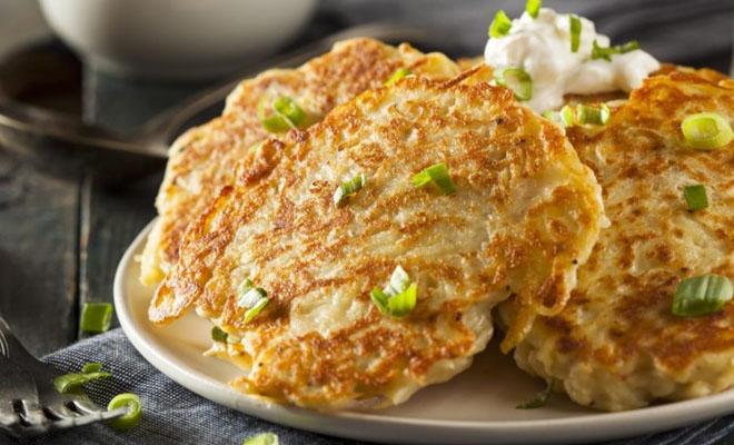 Картофельные оладьи: 4 потря…