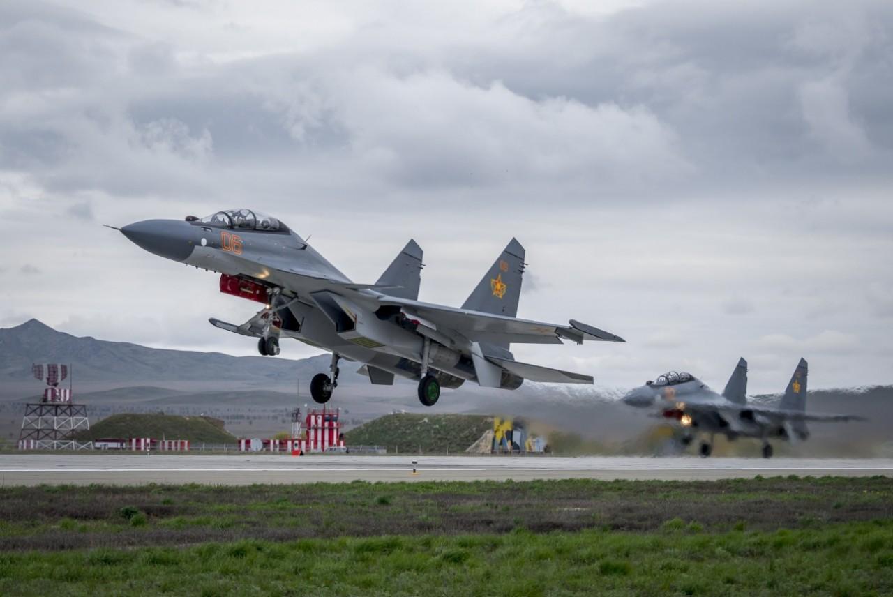 Казахстан закупает в России еще 12 истребителей Су-30СМ