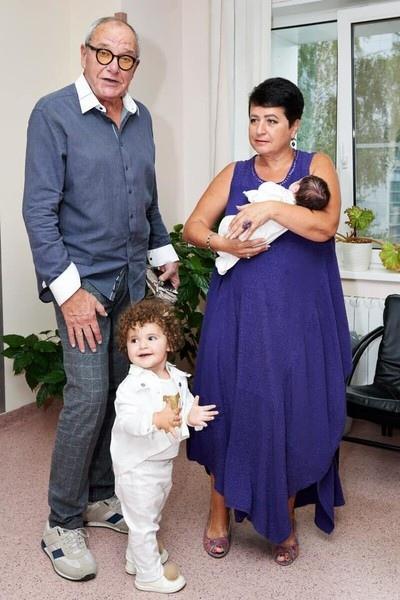 79-летний Эммануил Виторган вновь стал отцом