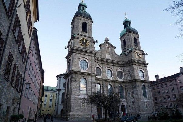 Собор Святого Иакова в Инсбруке, Австрия.
