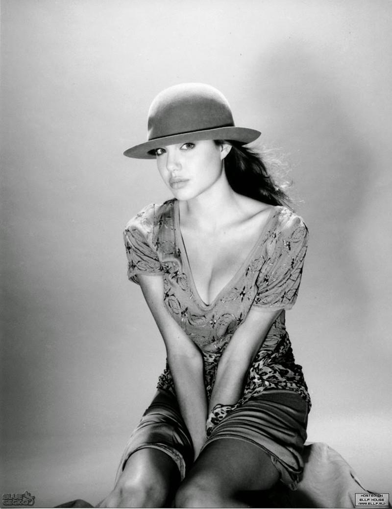 Анджелина Джоли: первые фотосессии