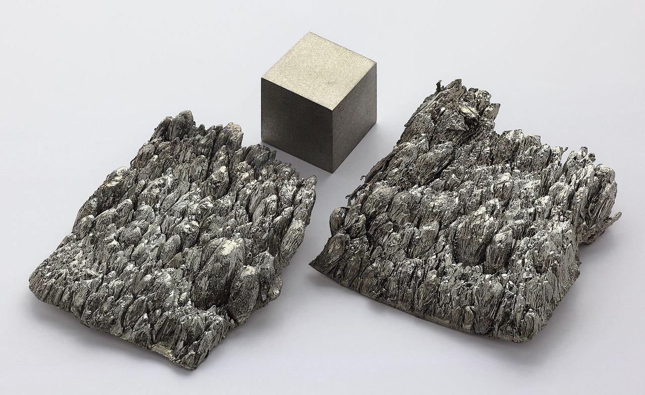 Петербургские ученые разработали уникальную технологию получения редкого скандия из мусора