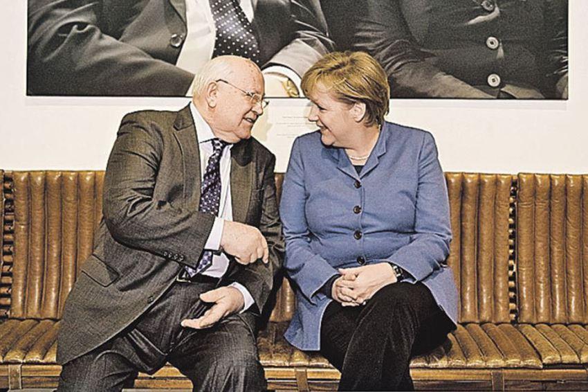 Экс-канцлер Германии Гельмут Коль: Горбачев продал ГДР по цене бутерброда