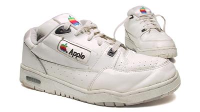 Apple запатентовала «умные ботинки»