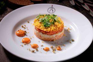 Мимоза за 13 шагов. Готовим новогодний слоеный салат с рыбой