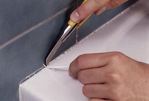 Чем и как удалить силиконовый герметик с различных поверхностей?