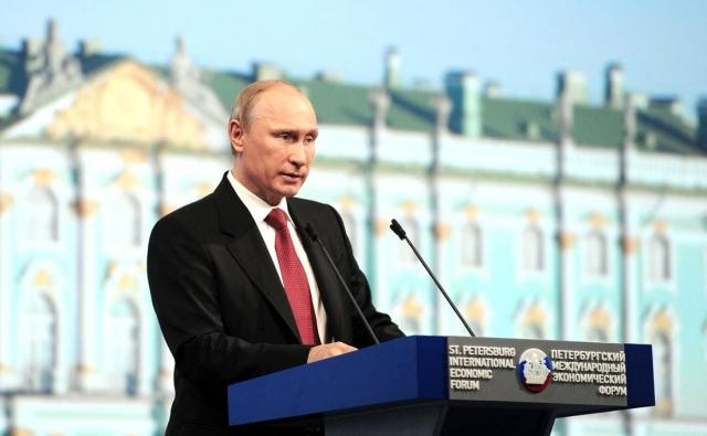 «Имена, явки, пароли» — Путин вспомнил службу в КГБ