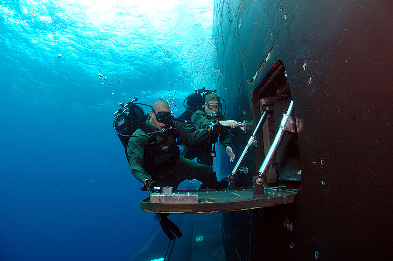 Российский подводный спецназ схлестнулся под водой с неизвестными трёхметровыми пришельцами