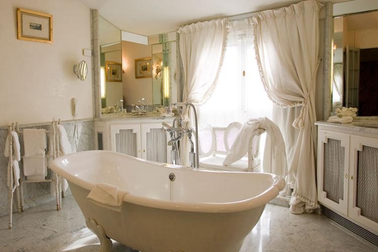 Bathroom french