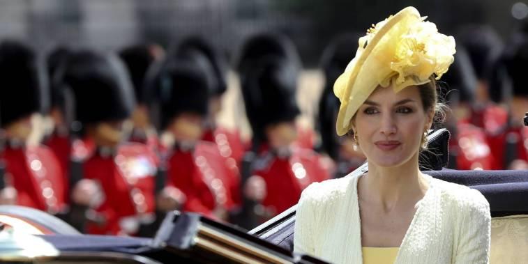 20 образов королевы Летиции, которые хочется примерить