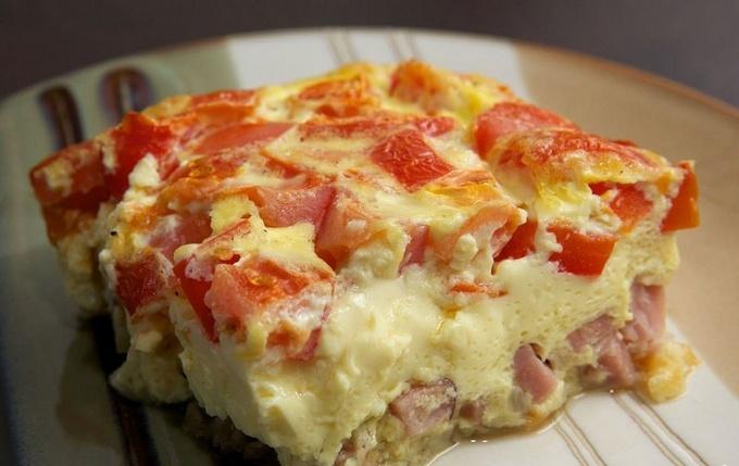 Омлет с помидорами и ветчиной в духовке