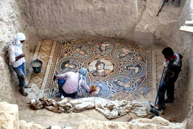 Мозаики Зевгмы:греко-македонские и римские
