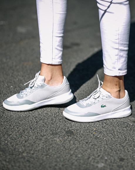 Классические спортивные кроссовки