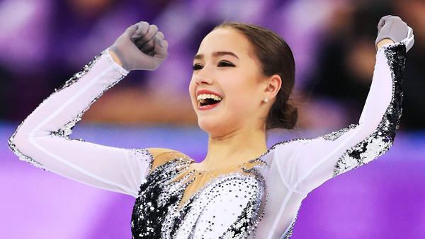 16-летняя Алина Загитова ста…