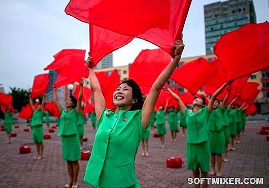 Жизнь в КНДР и Южной Корее : кто счастливее?
