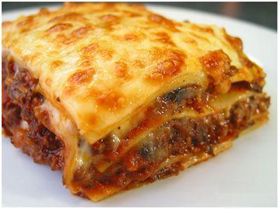 Лазанья... рецепты и много другого интересного об этом удивительном итальянском блюде. Много нашла нового и интересного. Советую почитать..