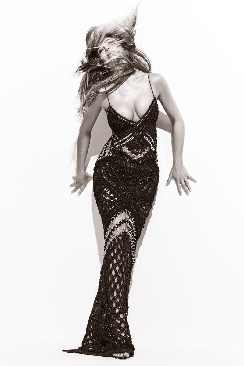 Изысканная сексуальность: 48-летняя Дженнифер Энистон продемонстрировала отличную фигуру во время фотосессии для модного журнала дженнифер энистон, журнал, звезды, знаменистоти, фигура, фотосессия