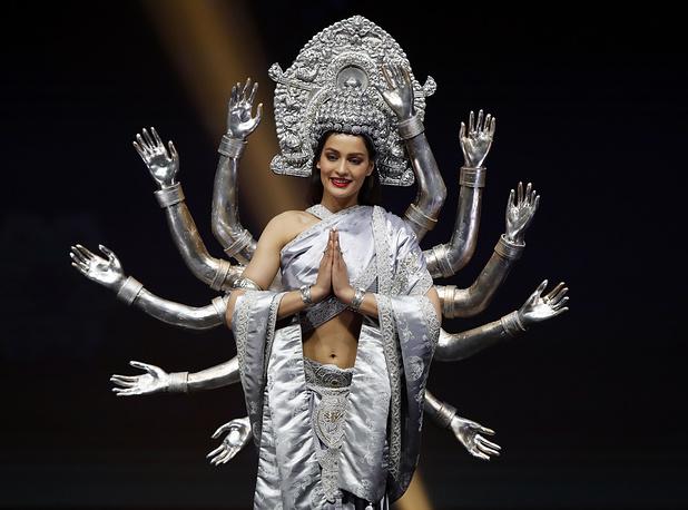 Роскошные наряды на Мисс Вселенная 2018