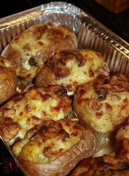 Красота и объедение на вашем столе - запеченный картофель  с различными начинками