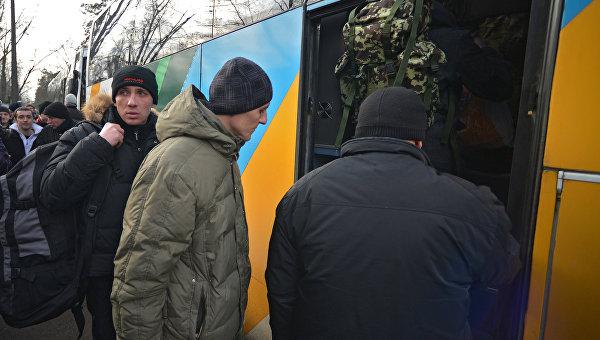 Политолог Денис Антонович: Как украинские политики имитируют войну с Россией