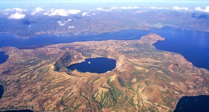Image result for Одно в одном — Ð´Ð¸Ð²Ð½Ð°Ñ Â«Ð¼Ð°Ñ'решка» из озер и оÑтровов, ÑÐ¾Ð·Ð´Ð°Ð½Ð½Ð°Ñ Ð¿Ñ€Ð¸Ñ€Ð¾Ð´Ð¾Ð¹