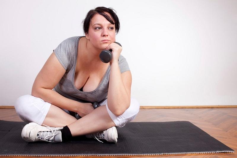 Самый легкий способ похудения без диет: просто помассируйте эту точку на ухе...