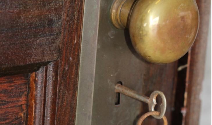 Эту квартиру забросили в 1933 году. Когда 70 лет спустя ее открыли, то потеряли дар речи!