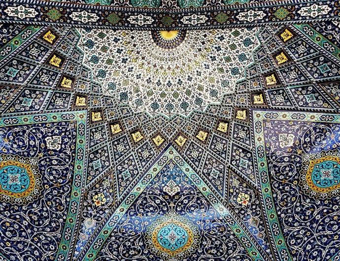 Узоры на потолках в зданиях Ирана