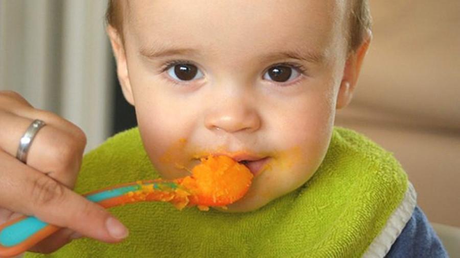 Пять продуктов, которые категорически нельзя давать детям до двух лет
