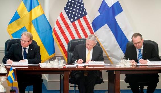 Министр обороны Финляндии: сближение с Пентагоном не означает вступления в НАТО