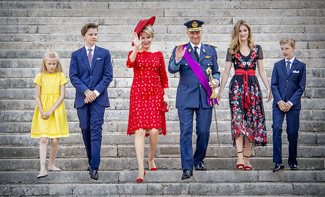 Эффектный выход: как королевская семья Бельгии отметила национальный день страны