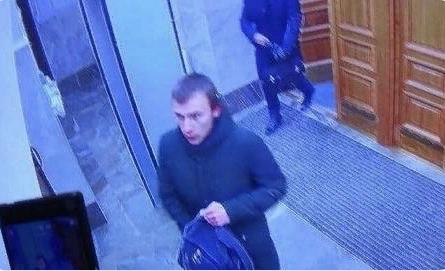 Следственный комитет квалифицировал взрыв в Архангельске как теракт. Бомбу в здание ФСБ пронес подросток