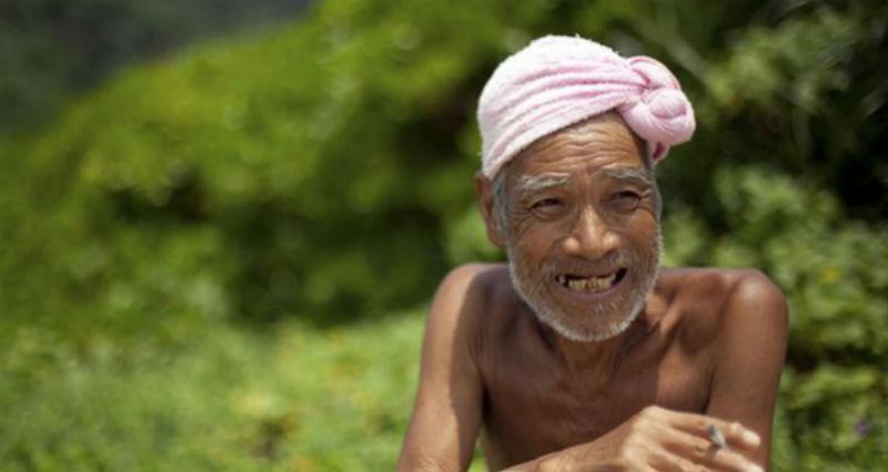 «Голый отшельник» 30 лет прожил на острове, пока его насильно не вернули в цивилизацию