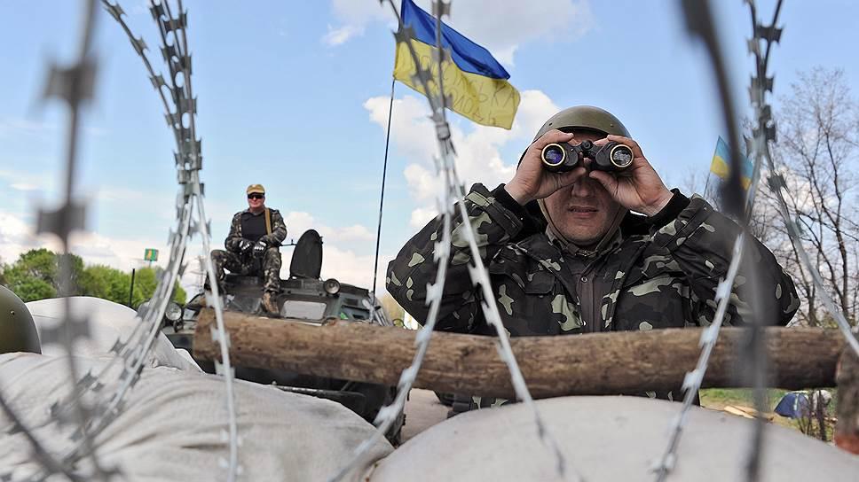 Украина создаёт ударную группировку возле российских границ, — Бальбек